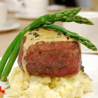 Filet mignon cu sos Bearnaise